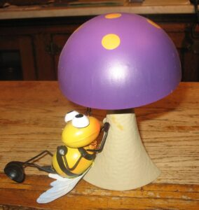 Garden decor, Mushroom with Bee  